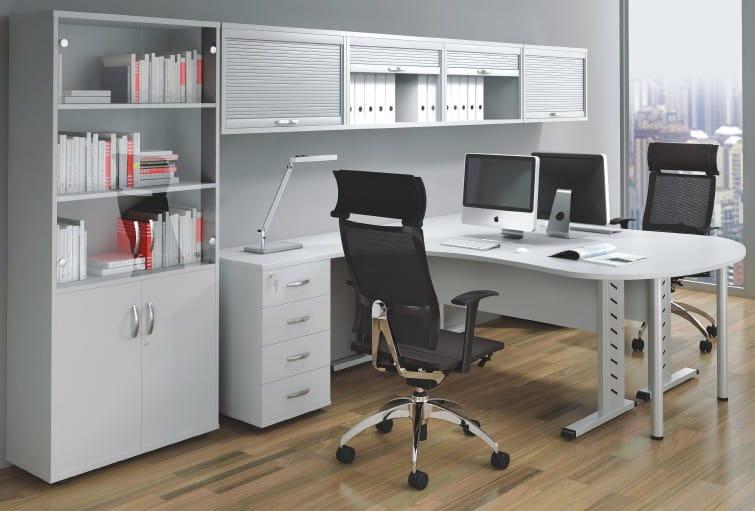 biurka w rogu